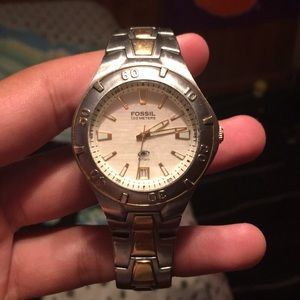 fossil (100 meters) watch